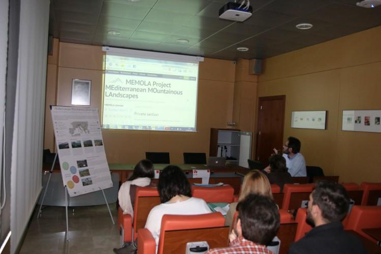 Maurizio Toscano habla de la web privada del proyecto.